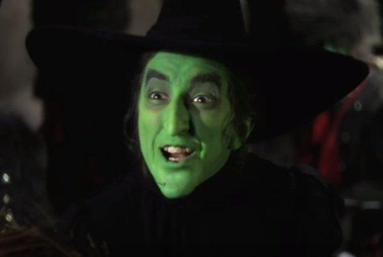 I'm Melting! - The Wizard of Oz (78) Movie CLIP (1939) HD - YouTube - Google Chrome 31-Jul-17 103436